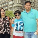 Shubha Kalra with parents