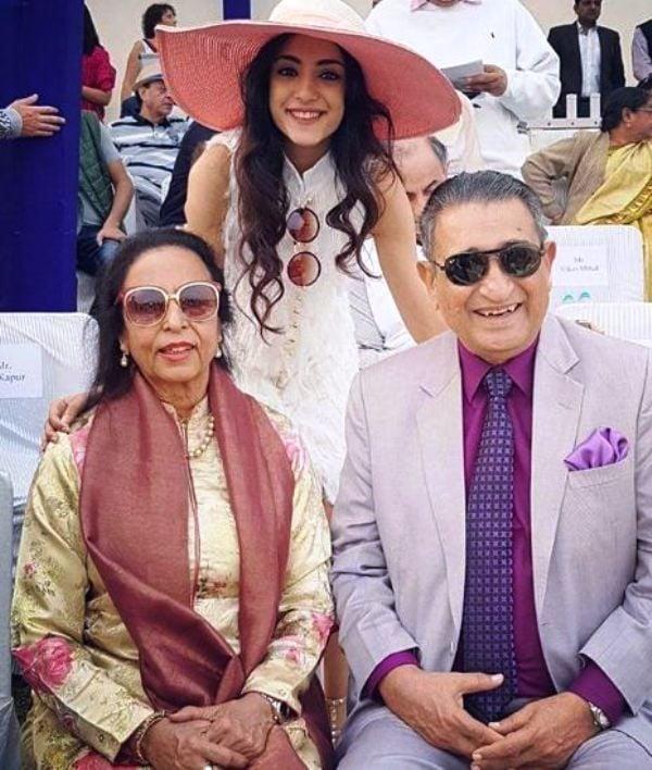Kanikka Kapur with Her Grandparents