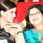 Mannara Chopra with her mother