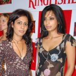 Masumeh Makhija with her sister Shona Urvashi