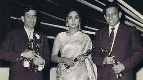 Raj Kapoor With Vyjayanthimala And Lyricist Shailendra
