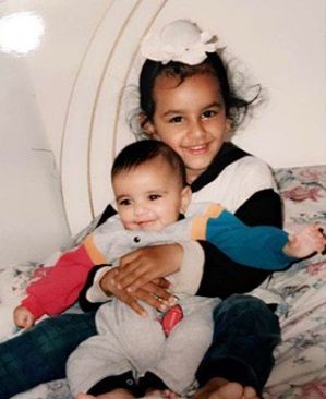Aamber Dhillon with her brother- Childhood Picture