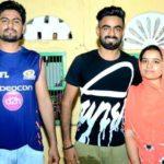 Kulwant Khejroliya with his brother and sister