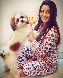 Srishty Rode loves dogs