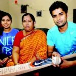 Vinay Kumar with his mother Soubhagya and sister Vinutha Kumari