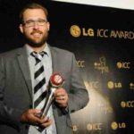 Daniel Vettori Holding ICC Spirit of Cricket Award in 2012