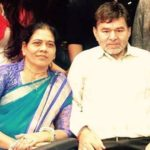 Karan Khandelwal Parents
