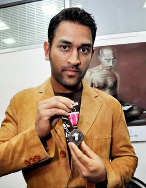 MS Dhoni Received Padma Shri