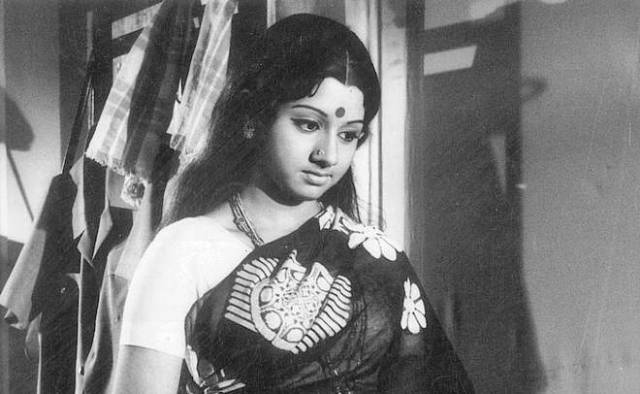 Sridevi in Moondru Mudichu