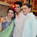 Deepak Kochhar With His Son Arjun (Center) and Wife Chanda Kochhar