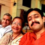 Jimit Trivedi with his parents