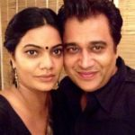 Manu Rishi With His Wife Roli Chaturvedi