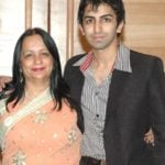 Pankaj Advani With His Mother Kajal Advani