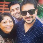 Pushkar Jog with his Mother and brother
