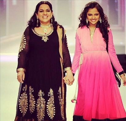 Ahsaas Channa with her mother in the Geetanjali Fashion Week