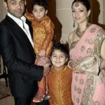 Bobby Deol With His Sons And Wife