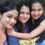 Hema Sood with her mother and sister