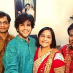 Prakhar Toshniwal with his parents and brother