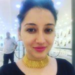 Priyanka Kandwal wearing necklace