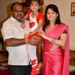 Radhika Kumaraswamy with her second husband HD Kumaraswamy and daughter Shamika