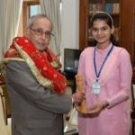 Vidhi Deshwal Receiving Honour From The Former Indian President Pranab Mukherjee
