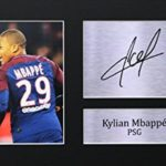 Kylian Mbappé sign