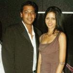 Mahesh Bhupathi with his first wife Shwetha Jaishankar