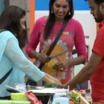Nithya Balaji with Thadi Balaji in the house of Bigg Boss Tamil 2