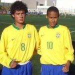 Philippe Coutinho playing for Brazil in his teenage with Neymar
