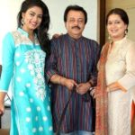 Siddhi Idnani with her parents