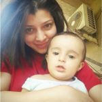 Tejaswini Pandit with her child