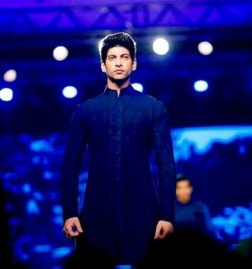 Abhimanyu Chaudhary ramp walk for Manish Malhotra filmfare