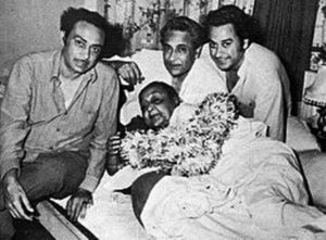 Ashok Kumar with his Mother Gouri Devi and his Brothers