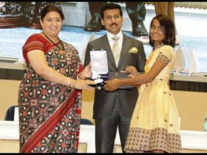 Bhanita Das Receiving Best Child Artist Award