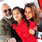 Bijay Anand With His Wife And Daughter