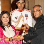 Ritu Kumar receiving Padma Shri Award