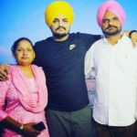 Sidhu Moose Wala with his parents