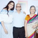 Sonali Bendre with her parents