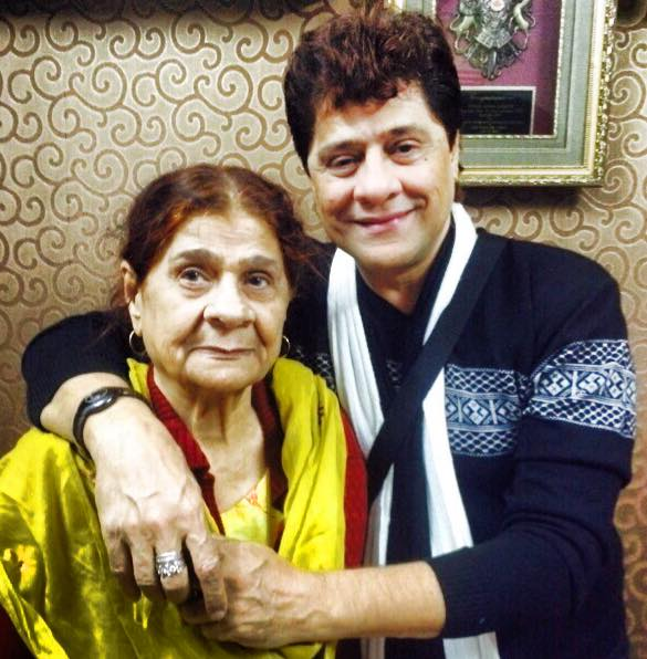 Arjun (Firoz Khan) With His Mother