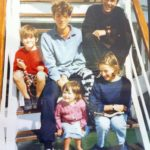 Chris Martin with his siblings 1