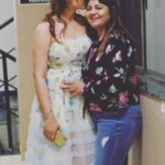 Dhvani Bhanushali With Her Mother