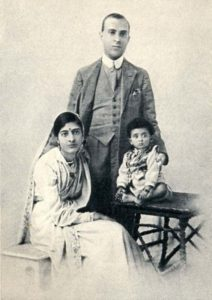 Jawaharlal Nehru With His Wife and Daughter