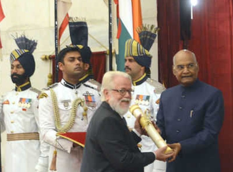 Nambi Narayanan Receiving Padma Bhushan by Ram Nath Kovind-