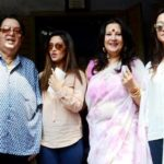 Riya Sen with her parents and sister Raima Sen