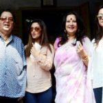 Riya Sen with her parents and sister Raima Sen