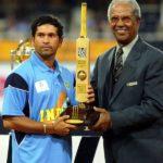 Sachin Tendulkar With Player of the Tournament Award 2003 World Cup
