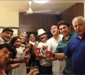 Satish Shah Drinking Alcohol With His Co-Stars