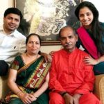 Sayali Sanjeev with her parents and brother Shantanu Sanjeev Chandsarkar