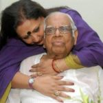 Somnath Chatterjee with his daughter Anushila Basu