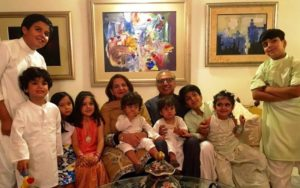 Arif Alvi With His Wife and Grandchildren